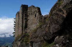 Das Wildschloß liegt auf circa 800 Meter über dem Meer und bietet eine tolle Aussicht Richtung Rheintal.