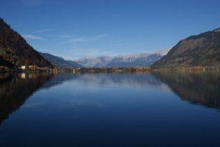 Das Steinerne Meer spiegelt sich im Zeller See.