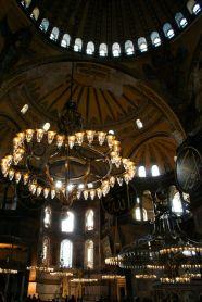 Im Inneren der Hagia Sophia prallt Christentum und Islam aufeinander, denn beiden Religionen wird im Museum Platz gewidmet.