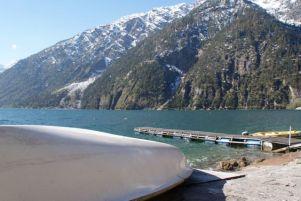 Der Campingplatz am See, hat eine tolle Aussicht auf Pertisau.