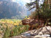 Wer sich vom Visitors Center nur wenige Minuten entfernt, wird sofort mit eindrücklichen Aussichten auf den Zion National Park belohnt.