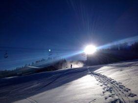 """Der Autor kurz nach dem Start der Tour, auf Höhe der Schihütte """"Rufana Alp"""" - ein Einkehrtipp!"""