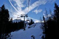 Am etwas älteren Skilift hat man mal Zeit sich auszuruhen.