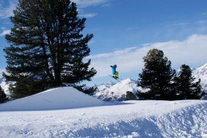 Im Funpark tobten sich die Snowboarder aus.