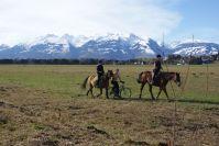 Die Schweizer Berge sind Schneebedeckt, das Wetter aber Frühlingshaft.