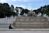 Der große Neptunbrunnen im Schlosspark Schönbrunn.