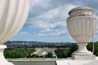 Am Dach der Gloriette kann man die Aussicht genießen.