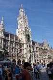 Das neue Rathaus München liegt am zentralen Marienplatz.