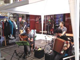 Straßenmusiker sorgten für die musikalische Umrahmung des Marktes.