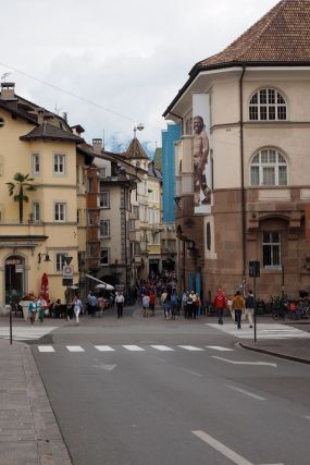 Hier geht es in die wunderschöne Bozner Altstadt.