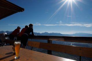 Auf der wunderbaren Panorama-Terrasse eine kleine Erfrischung.