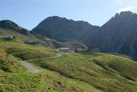 Die letzten Meter zur Alpe Oberpartnom - auch mit dem Mountainbike kann man hier vorbeischauen.