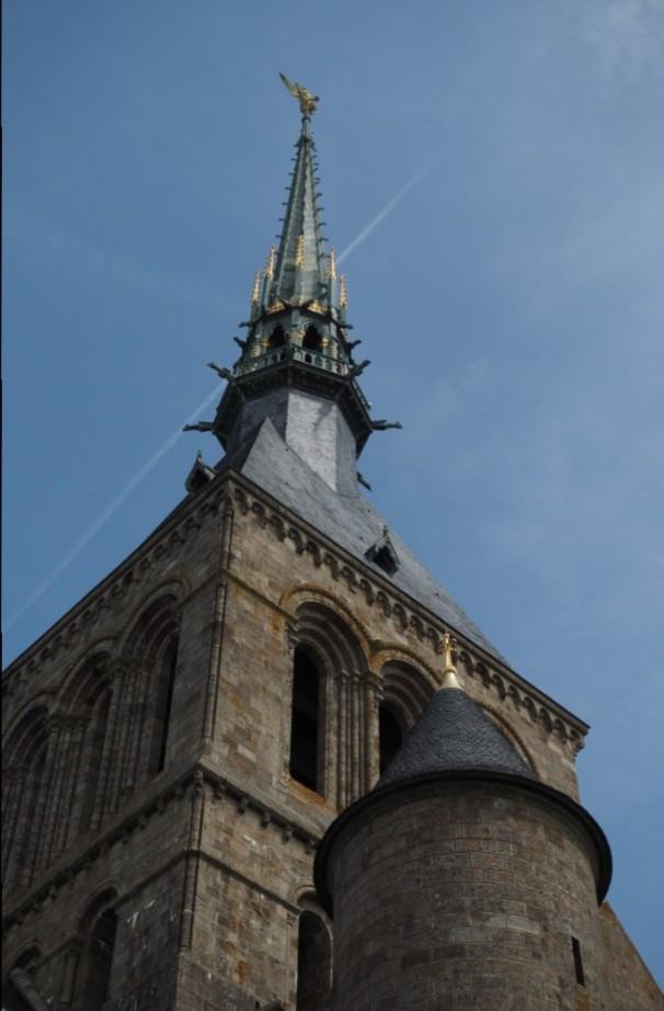 """Die Spitze der Abteikirche ist der """"modernste"""" Teil des Klosters."""