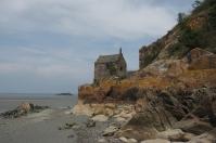 Diese kleine Kapelle ist nur bei Niedrigwasser erreichbar.