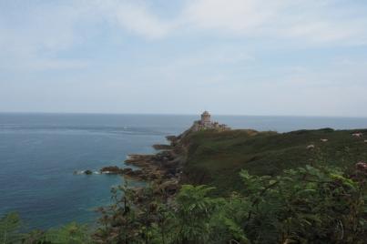 Fort La Latte ist beim Wandern immer wieder in Sicht.