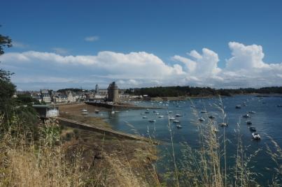 Blick auf den Hafen samt Tour de Solidor.