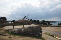 Eine zerstörte Flak-Stellung auf der Bunkeranlage.