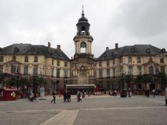 """Das Rathaus ist eines der prächtigsten """"neuen"""" Gebäude."""