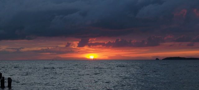 Wunderschöne Sonnenuntergänge - wie gemalt eben!