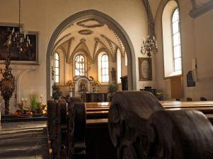 Im Hauptschiff der Basilika.