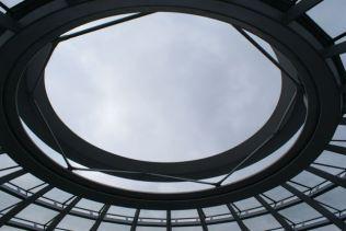 Die neue Kuppel im Reichstagsgebäude.