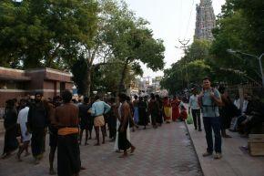 Ein christlicher Kommunist als Guide imHindu-Tempel