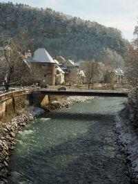 Der Wasserturm und die Montfortbrücke.