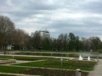 Der Mercedes Stern ist in Stuttgart nie weit entfernt.