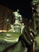 Der Donnerbrunnen am Neuen Markt.