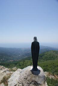 Am Pizzo d`Evigno (oder Monte Torre) - 989 Meter über dem Meer - wacht eine Madonna über dem Golf von Diano Marino.